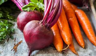 Как обрезать морковь и свеклу для хранения