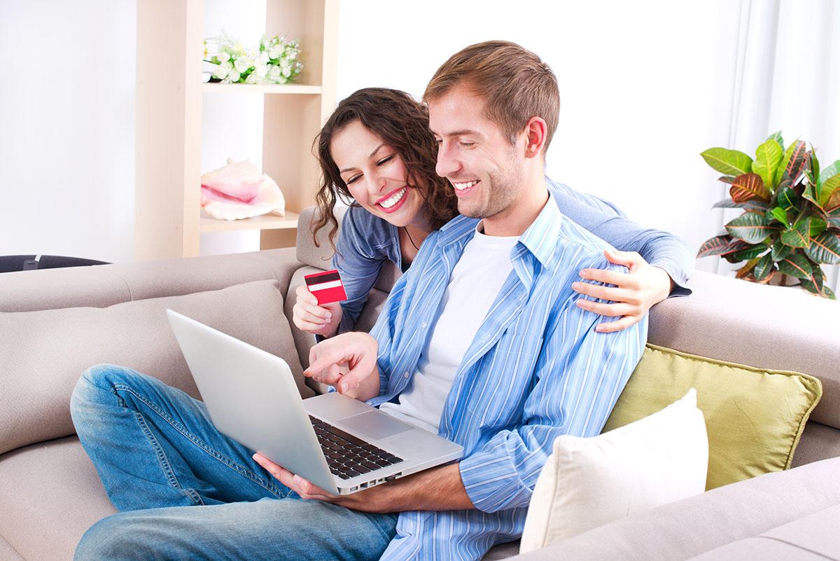 Девушка услуги паре, фото голых попок раком на кровати