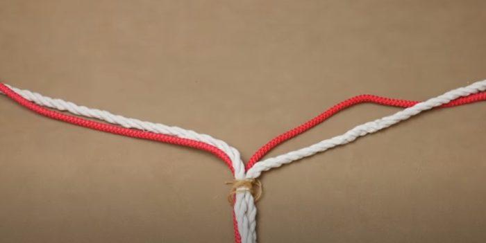 Половина веревок разделена